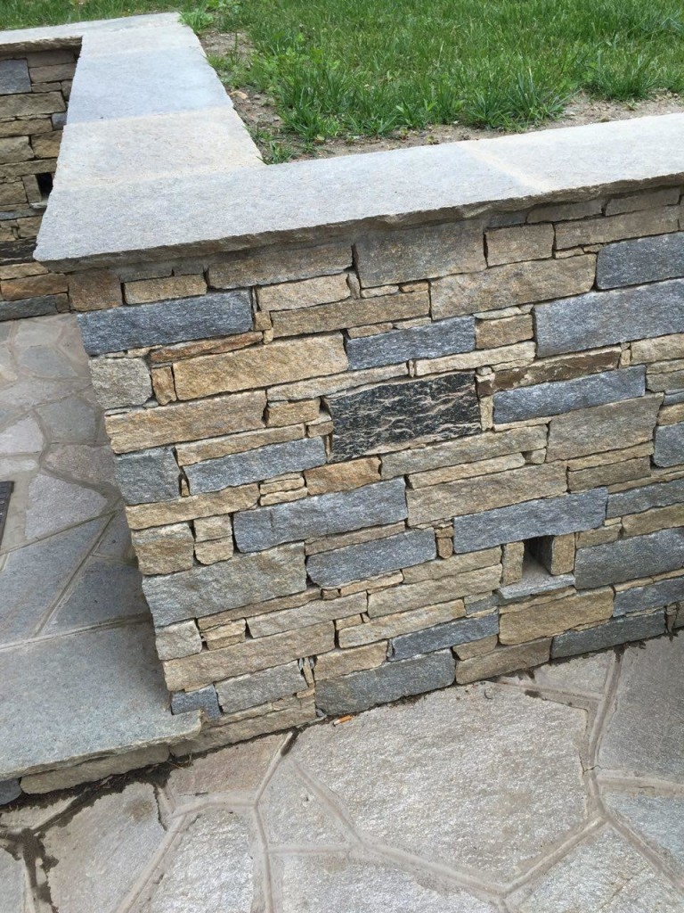 Copertine a spacco naturale in pietra di Luserna - Art of Stone ...